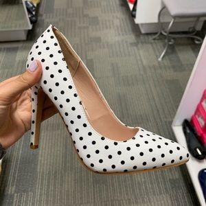 Shoes - White polka dot pump